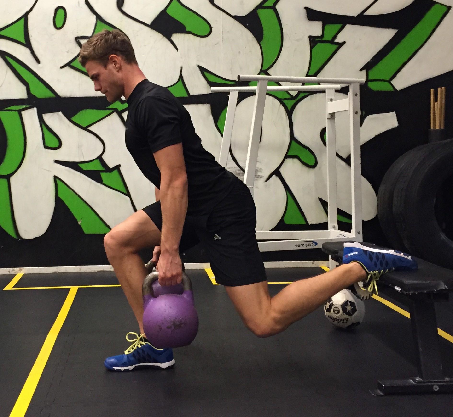 träning med gummiband ben